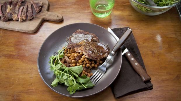 'Cozinha Prtica com Rita Lobo' - Ep. 12 - Bife com molho de limo e gro-de-bico (Foto: Ricardo Toscani )