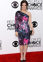 Veja o estilo das famosas no People's Choice Awards