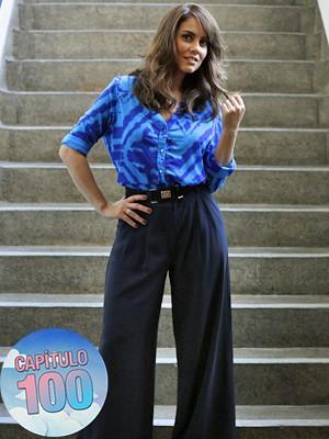 A atriz posa com o novo look da Suzana (Foto: Ellen Soares/Gshow)