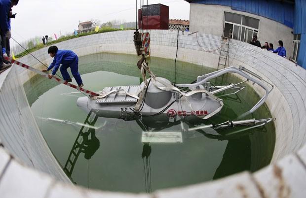 De forma independente, ele construiu oito pequenos submarinos (Foto: Reuters)