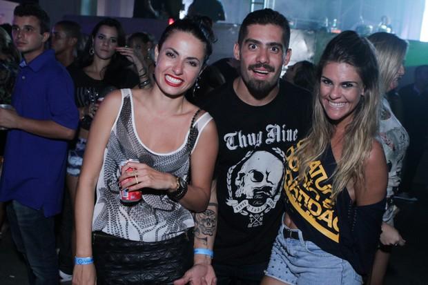 Mariana Morais, Yuri Fernandes e Livia Lemos na festa M.I.S.S.A. (Foto: Raphael Mesquita/ Foto Rio News)