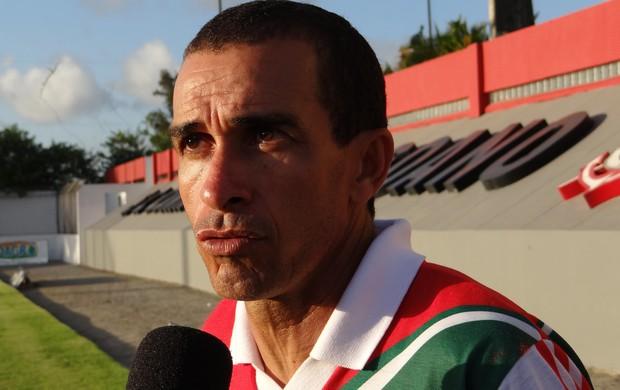 Elenilson Santos, técnico do CSE (Foto: Paulo Victor Malta / Globoesporte.com)