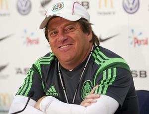 Miguel Herrera treinador da seleção mexicana na coletiva  (Foto: EFE Servicios)