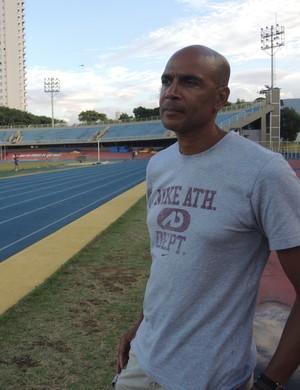Nélio Mouro no estádio do Ibirapuera (Foto: David Abramvezt)