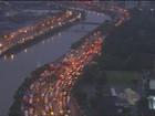 Chuva provoca alagamentos e transtornos em São Paulo