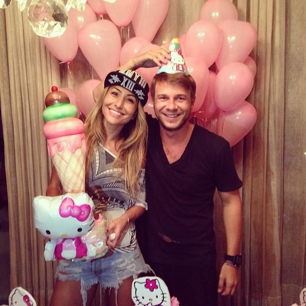 Sabrina Sato e Thiago Fortes no aniversário da apresentadora em São Paulo (Foto: Instagram/ Reprodução)