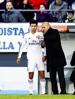 Zidane promove estreia do filho