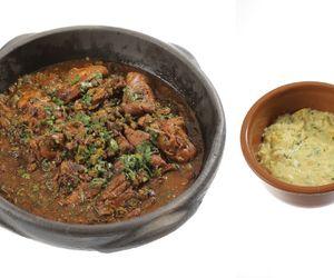 Frango com quiabo e polenta de milho verde
