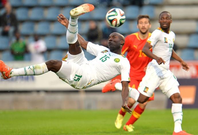 Webo Gol do Camarões contra o Irã Amistoso (Foto: Agência AP )