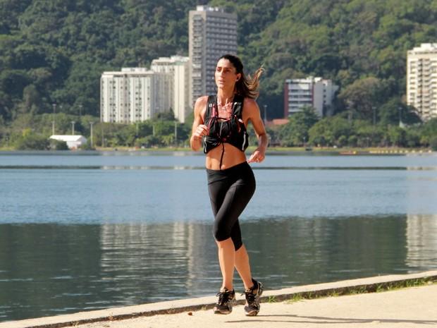 Cynthia Howlett se exercita na Lagoa, Zona Sul do Rio (Foto: JC Pereira/ Ag. News)