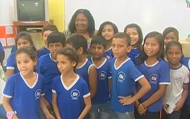 Aos 62 anos, Rosalina ainda é professora em Guajará-Mirim (Foto: Rede Amazônica, Rede Globo, Amazônia, Rondônia)