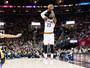 LeBron faz 16 pontos no último quarto, e Cleveland despacha Lakers em casa