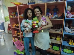 Nilva Oliveira Santos e sua filha Débora Oliveira Santos  (Foto: Paola Patriarca/G1)