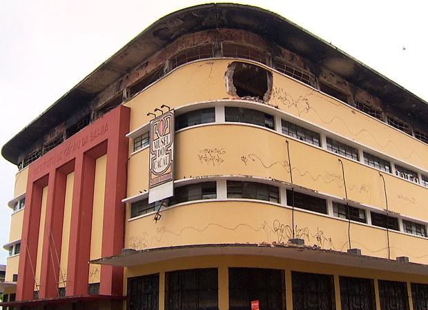Instituto de Cacau da Bahia após incêndio (Foto: Reprodução/ TV BA)