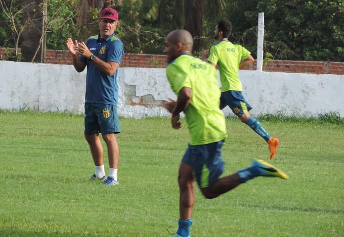 Técnico do Sampaio tem destaco empenho dos atletas do Sampaio na pré-temporada (Foto: Sampaio /  Divulgação)