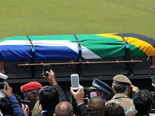 mandela enterro (Foto: Felix Dlangamandla/Pool/AFP)
