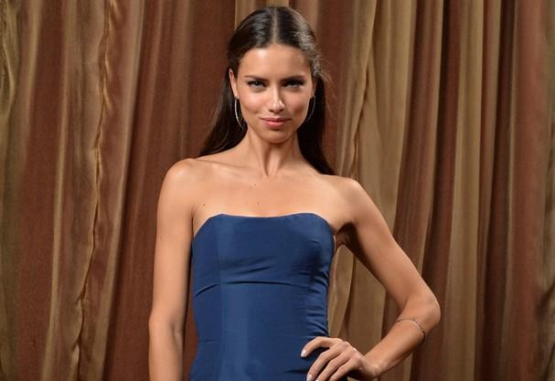Adriana Lima é o nome brasileiro do momento no exterior (Foto: Getty Images)