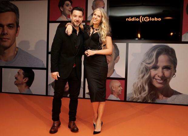 Adriane Galisteu com Alexandre Iódice (Foto: Manuela Scarpa/Brazil News)