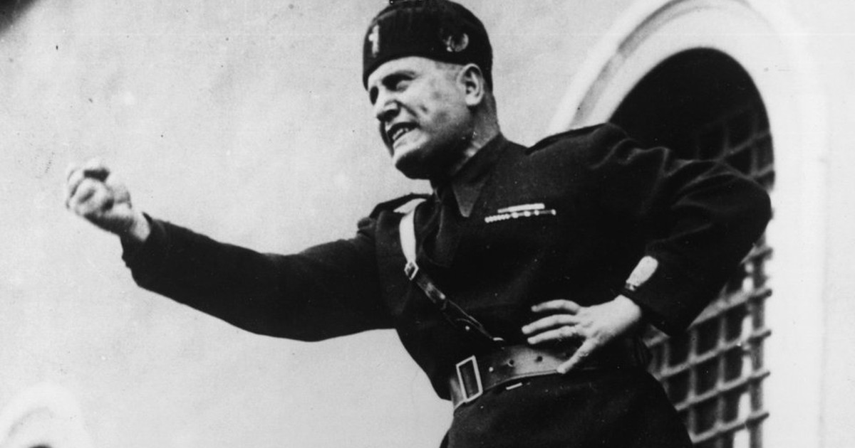 Cientistas 'decifram' texto misterioso que Mussolini enterrou sob obelisco