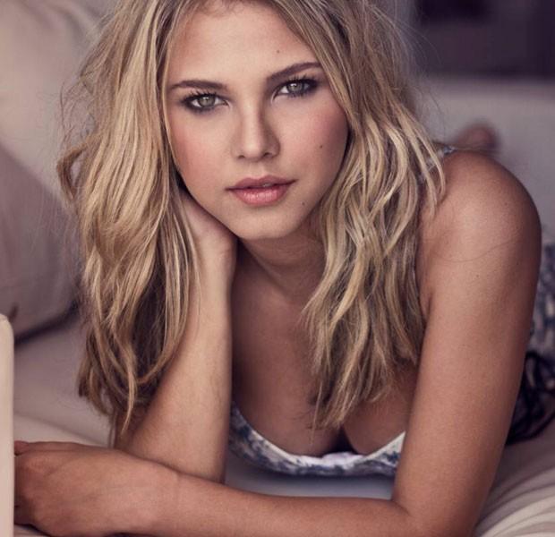 Visual anterior: Antes de 'Malhação', atriz usava cabelo loiro (Foto: Divulgação)