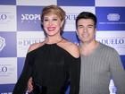 Claudia Raia e Jarbas Homem de Mello vão a première de filme