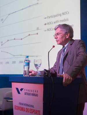 Jean-Loup Chapellet diretor geral do IDHEAP e consultor internacional para a organização das Olimpíadas Jogos Olímpicos Comitê Internacional (Foto: Andre Telles/FGV)
