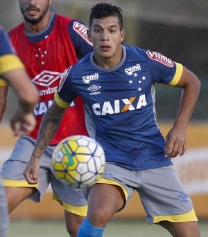 Léo; Lucas Romero; Lucas; Cruzeiro; Treino (Foto: Washington Alves/Light Press)