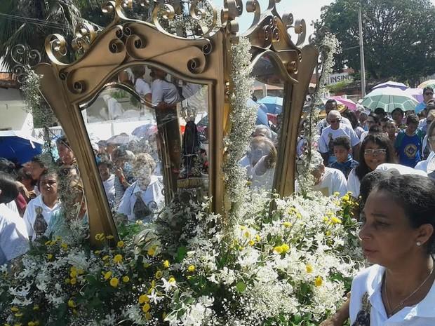Imagem de Nossa Senhora Aparecida está em perigrinação pela capital desde o dia 1º (Foto: Catarina Costa)