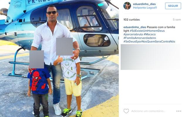 Policial Militar fala em passeio de família, com um helicóptero como pano de fundo (Foto: Reprodução/Instagram)