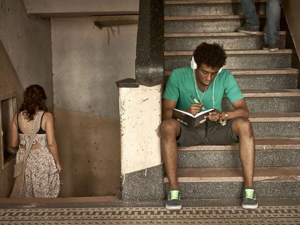Imagens mostram trajetória do autor e diretor nos palcos paulistas (Foto: Divulgação/Felipe Abe)