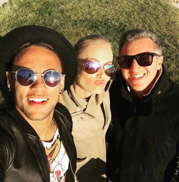 Neymar, Angelica e aLuciano Huck (Foto: Reprodução / Instagram)