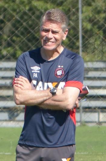 Paulo Autuori, Atlético-PR, treino (Foto: Gabriela Ribeiro)