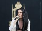 Jessie J faz seu primeiro show após cirurgia misteriosa e mostra as pernas
