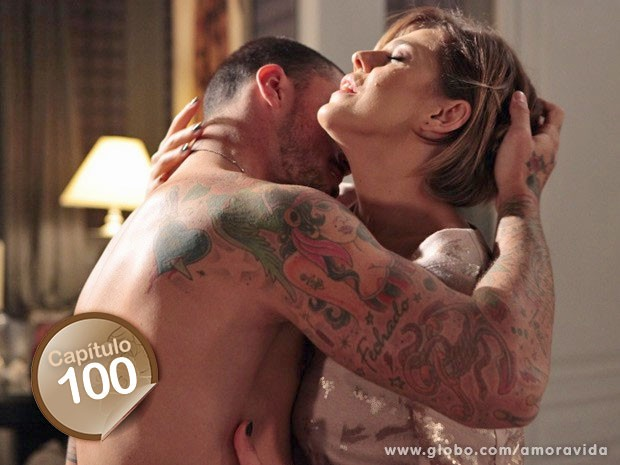 Edith cedeu à tentação e traiu Félix com Wagner (Foto: Amor à Vida/TV Globo)