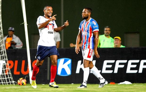 Diones comemora gol do Bahia contra o Itabaiana (Foto: Eduardo Martins / Ag. Estado)