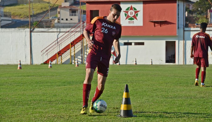Igor Brondani zagueiro Boa Esporte (Foto: Régis Melo)