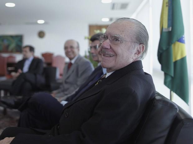 José Sarney recebe parlamentares no gabinete da Presidência da República (Foto: Reuters)