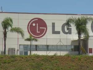 Unidade da LG em Taubaté demitiu 115 funcionários (Foto: Reprodução / TV Vanguarda)