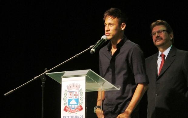Neymar em Praia Grande (Foto: Lincoln Chaves)