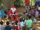 Crianças de projeto social de Botucatu recebem visita do Papai Noel