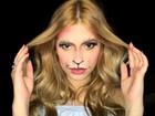 Maquiador da Sapucaí ensina makes de gatinha para os blocos de carnaval