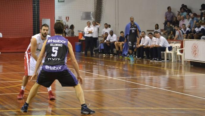 Paulistano x Mogi das Cruzes paulista de basquete (Foto: Vitor Geron)