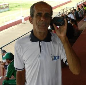 Divino Rubens Caetano, torcedor do Uberlândia e Amador de Uberlândia (Foto: Caroline Aleixo)