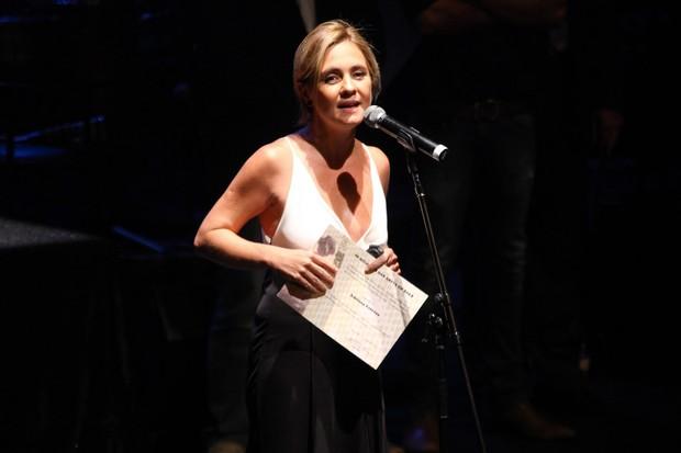 Adriana Esteves em premiação em São Paulo (Foto: Manuela Scarpa/ Foto Rio News)