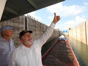 Presidente Lula na inauguração das Eclusas de Tucuruí, em 2010 (Foto: Ricardo Stekert / PR)