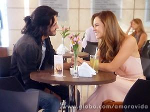 Paloma reencontra Valentin e deixa claro que não quer ver mais Ninho (Foto: Amor à Vida / TV Globo)