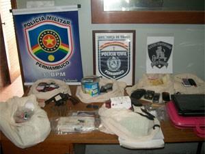 Polícia apreendeu objetos na operação, no Sertão (Foto: Divulgação / Polícia Civil)