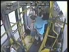 Assaltos frequentes assustam usuários dos ônibus em Porto Alegre