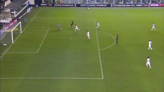 Análise: diante de um Sport bem fechado, Santos se vê obrigado a propor jogo e falha