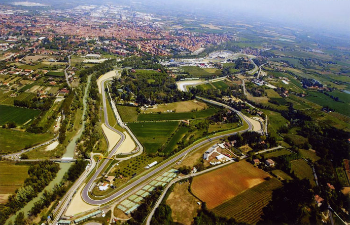 Vista aérea do Autódromo Enzo e Dino Ferrari, em Ímola (Foto: Divulgação)